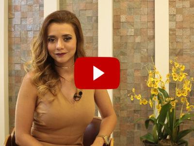Dra. Paola fala sobre o envelhecimento da pele do colo, principalmente o aparecimento e tratamento das rugas.